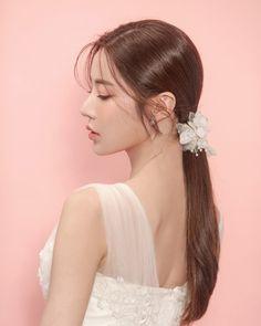 Bride Makeup, Wedding Makeup, Hair Makeup, Korean Wedding Hair, Stylish Girl Pic, Hair Shows, Models Makeup, Girl Face, Asian Beauty