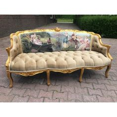 French Country Interiors, French Country Furniture, French Country Style, Country Chic, Vintage Sofa, Antique Sofa, Vintage Furniture, Painted Furniture, Victorian Sofa