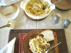 Easy Homemade Fettuccini Alfredo Sauce | Skinny Alfredo Sauce | no cream but delicious just the same. Check out some of the glowing comments and get the recipe on flouronmyface.com