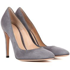 Gianvito Rossi Roma Suede Pumps (605 CAD) ❤ liked on Polyvore featuring shoes, pumps, heels, sapatos, tacones, grey, grey heeled shoes, grey pumps, grey suede pumps and gray shoes