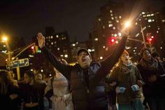 Protests against police violence flare for third night in New York - Yahoo NewsProtesters shout slogans during a demonstration demanding justice for the death of Eric Garner in Manhattan, New York City, December 5, 2014. Missouri.