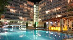 Гранд Хотел Оазис, Слънчев бряг е истински оазис за ценителите на стилната атмосфера. Намира се само на 80 м от морския бряг.