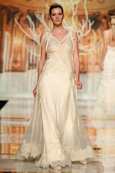 Guatemala • wedding dress YolanCris 2014 Ethereal Evanescence new bridal collection  Barcelona Bridal Week #brides #wedding #dress #white #ethereal #evanescence #yolancris #2014 #trends #Barcelona #bridal #gowns #couture #black