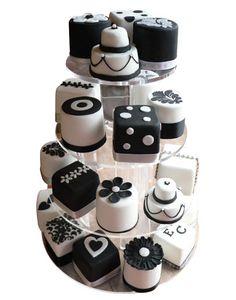 Outra ideia para mini bolos de casamento, ao invés de cupcakes.