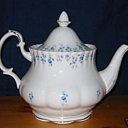Royal Albert - Memory Lane - Large Teapot