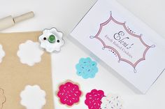DIY tutorial for felt cookies - roll the dough, cut them out and frost them...how fun! and to add a cute custom baker's box...HOW FUN!