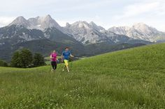 Nordic Walking im Salzburger Pinzgau - bei deinem Urlaub in den BEWEGTEN BERGEN kannst du diese sanfte Sportart ganz bewusst erleben Nordic Walking, Sports Training, Boutique, Bergen, Mount Everest, Spaces, Mountains, Nature, Travel