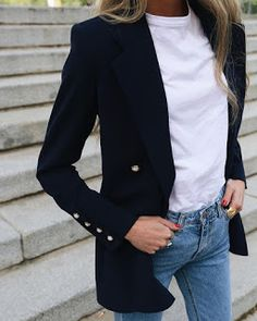 Casual jeans, white T-whirt and black blazer # jeans - Black Blazer With Jeans, Look Blazer, Casual Jeans, Jeans Style, Jacket Style, Black Blazer Casual, Blazer Shirt, Black Blazer Outfits, Dark Jeans
