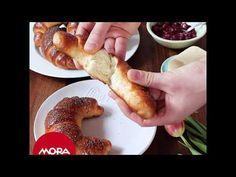 ▷ Domáce makovky - recept na sladké makové rožky | MORA Bagel, French Toast, Make It Yourself, Breakfast, Food, Breads, Youtube, Morning Coffee, Bread Rolls
