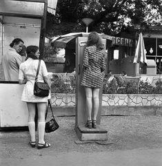 Utcai telefonfülke és személymérleg  Az egykori Casino terasza előtt, 1972  Margitsziget  Budapest Budapest Hungary, What A Wonderful World, Street Photo, Vintage Images, Time Travel, Wonders Of The World, The Past, Mini Skirts, History