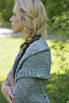 Ravelry: AliciaPlum's Campside...I think I want a shawl or a wrap. I don't have one yet. I also love her hair!!