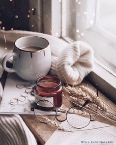 Moodboard Source by Alltagsfeierin Source by Alltagsfeierin … Coffee Photography, Winter Photography, City Photography, Hygge, Cozy Aesthetic, Autumn Aesthetic Tumblr, Autumn Tumblr, Autumn Cozy, Autumn Fall