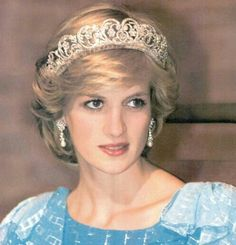 Diana, Princess of Wales wearing one of the Spencer tiaras in Princess Diana Tiara, Princess Diana Photos, Princess Diana Fashion, Real Princess, Princess Of Wales, Charles And Diana, Diane, Lady Diana Spencer, Royal Tiaras