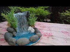 How to make a hot glue gun water pond Glue Gun Projects, Glue Gun Crafts, Large Fairy Garden, Fairy Garden Houses, How To Make Water, Diy Garden Fountains, How To Make Terrariums, Water Pond, Fairy Garden Accessories