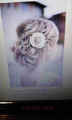 Adorable hair style for prom