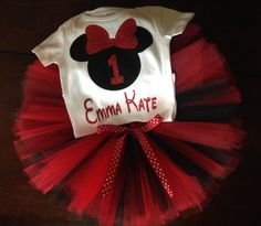 Rojo y negro Minnie Mouse cumpleaños atuendo por ASweetBabyBoutique
