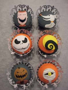 Nightmare Before Christmas Cupcakes...I so have to make these. I love the Nightmare Before Christmas.
