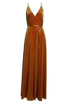 Terra cotta, rust, burnt orange — whatever you call this rich, autumnal color — one thing is for sure! This wedding color is here to stay! Evening Dresses, Formal Dresses, Warm Autumn, Blazer Outfits, Wedding Suits, Stylish Outfits, Fashion Dresses, Bridesmaid Dresses, Velvet