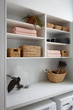 Struggling with a small laundry? Get expert advice on the storage solutions you need to make a small laundry stylish and functional. Laundry Decor, Small Laundry Rooms, Laundry Storage, Laundry Room Design, Bathroom Niche, Bathroom Red, Bathroom Renovation Cost, Diy Home, Home Decor