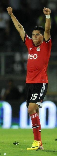 Enzo em Guimarães. Jorge Simão · Sport Lisboa e Benfica 8fcbd3e7c4053
