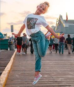 Dance Moms Dancers, Dance Moms Girls, Dance Poses, Dance Moms Season 8, Lilliana Ketchman, Dance Photography Poses, Justine, Surfer Girl Style, Foto Casual