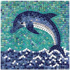 Delfin Mosaik DIY Dolphin Mosaic with ceramic tiles - Delfin mit Mosaik Basteln - Dauphin en mosaique - Alea Mosaik Craft Kit - Mosaic Stories Paper Mosaic, Mosaic Crafts, Mosaic Projects, Art Projects, Mosaic Glass, Mosaic Tiles, Stained Glass, Glass Art, Mosaic Tray
