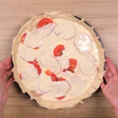 Tarte thon, tomate et moutarde : Recette de Tarte thon, tomate et moutarde - Marmiton Food And Drink, Pizza, Birthday Cake, Cooking, Desserts, Strong, Salty Tart, Cooking Recipes, Baking Center