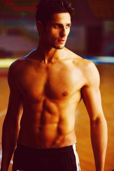 Siddharth Malhotra....should i say my new obession??? LOVE HIM!!! <3