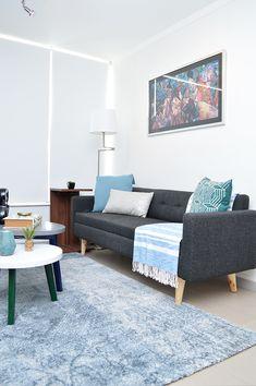departamento pequeño Outdoor Sofa, Outdoor Furniture, Outdoor Decor, Living Pequeños, Small Apartment Decorating, Living Room Bedroom, Small Apartments, Interior Design Living Room, Ideal Home