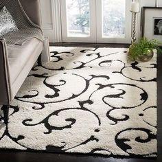 Safavieh Florida Shag Hildelind Scroll Rug (6'7″ x 6'7″ Square – Ivory/Black)