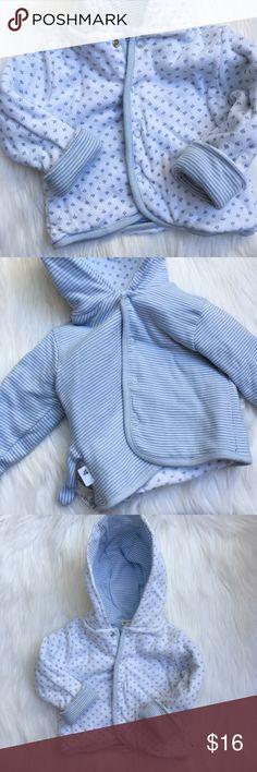 Burt's Bees 🐝Baby Jacket Burt's Bees reversible button snap closure jacket in 0-3 months. Burt's Bees Baby Jackets & Coats