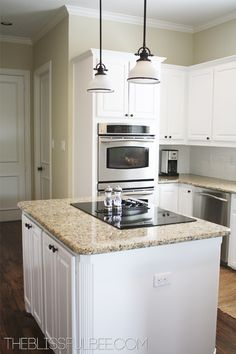 40 Amazing DIY Kitchen Renovations - Four Generations One Roof Kitchen Flooring, Kitchen Cabinet Crown Molding, Diy Kitchen Renovation, New Kitchen, Kitchen Dining Room, Big Kitchen, Home Kitchens, Diy Kitchen, Kitchen Design