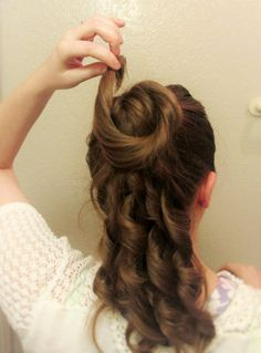 Hairstyle tutorial suitable for 1867-1880 by The Pragmatic Costumer