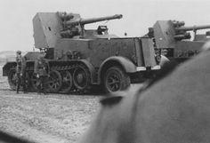 SdKfz 8 8,8 cm Flak 18 Selbstfahrlafette auf Zugkraftwagen 12t type DB 9 halftracks