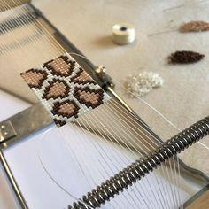 Loom Bracelet Patterns, Bead Loom Bracelets, Bead Loom Patterns, Peyote Patterns, Beading Patterns, Seed Bead Jewelry, Bead Jewellery, Beaded Jewelry, Handmade Jewelry