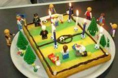 Un gâteau au yaourt se transforme en terrain de foot