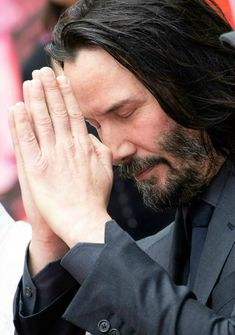 10 Little-Known Facts About Keanu Reeves That'll Make You Love Him Even Keanu Reeves John Wick, Keanu Charles Reeves, Keanu Reeves Beard, First Ladies, Keanu Reeves Motorcycle, Beautiful Men, Beautiful People, Keanu Reeves Quotes, Keanu Reaves