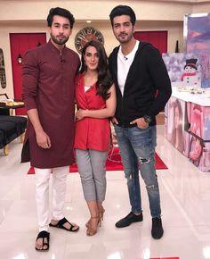 Good morning pakistan #qurban cast Stylish Couple, Stylish Girl Pic, Celebrity Pictures, Celebrity Style, Bilal Abbas Khan, New Pakistani Dresses, Men Dress Up, Mehndi Outfit, Iqra Aziz