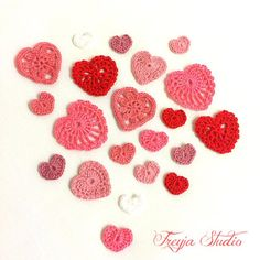 Tiny size crochet lace heart/Crochet applique/Heart