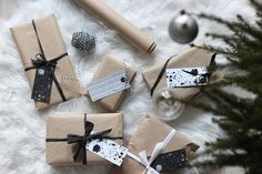 Gift wrapping ideas Wraps, Gift Wrapping, Christmas, Gifts, Paper Wrapping, Yule, Presents, Navidad, Wrapping Gifts