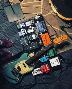 And I'mma get me a sexy ass pedalboard !! Omg!