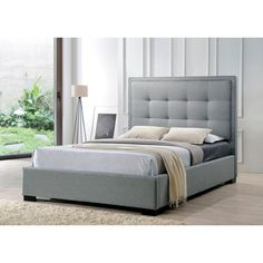 Montecito Queen-Size Upholstered Bed in Gray Fabric
