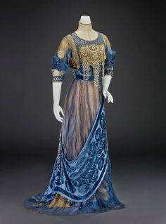 1912, America Evening dress by Girolamo Giuseffi Silk satin, silk velvet, silk chiffon, silk net, pearls, rhinestones, sequins Indianapolis Museum of Art