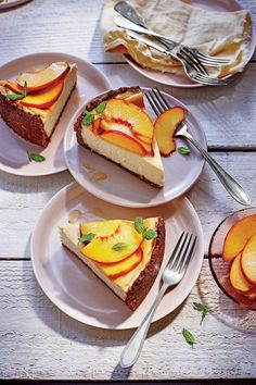 Peach-Ricotta Cheesecake with Pecan Crust - 44 Fresh-From-the-Farmers'-Market Recipes - Southernliving. Recipe: Peach-Ricotta Cheesecake with Pecan Crust Creamy Cheesecake Recipe, Peach Cheesecake, Ricotta Cheesecake, Cheesecake Recipes, Baklava Cheesecake, Chocolate Cheesecake, Flourless Dessert Recipes, Gluten Free Desserts, Easy Desserts