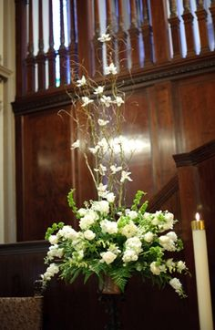 altar flowers with tall branches (and peace doves? Church Wedding Decorations, Wedding Altars, Wedding Ceremony Flowers, Altar Decorations, Flower Crown Wedding, Wedding Centerpieces, Winter Floral Arrangements, Easter Flower Arrangements, Altar Flowers