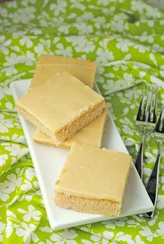 Caramel Sheet Cake from @Jen @ Juanita's Cocina #dessert #caramel #cake