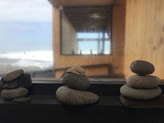 Dall'Hotel Apachete di Arica, venti chilometri, più o meno, dal confine con il Perù, l'Oceano si sente. Non solo se ne sente il fragore quando si infrange contro le rocce, ma lo si sent…