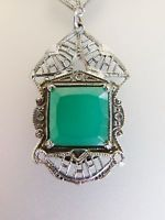 Beautiful Vintage Deco Era Green Glass Silver Filigree Necklace
