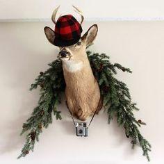 Just added my InLinkz link here: http://www.artsychicksrule.com/2014/12/christmas-home-tour-part-1-budget-decor.html