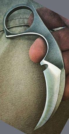 Bastinelli Knives Diagnostic Karambit Fixed Knife Blade Cool Knives, Knives And Swords, Tactical Knives, Trench Knife, Diy Knife, Knife Patterns, Kydex Sheath, Hard Metal, Knife Sharpening